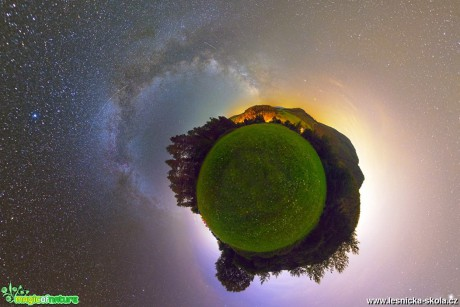 From Arcturus to Milky Way - panorama z 47 - Foto Milan Kašuba